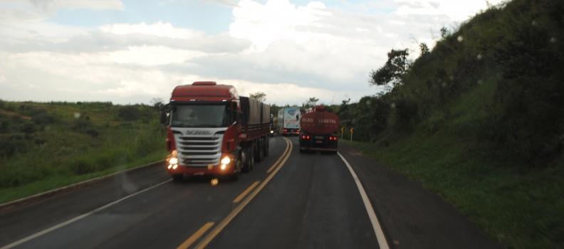 ANTT e CNT assinam acordo para melhorias no setor de transporte de cargas